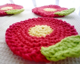 Red Flower Coasters - Flower Coasters - Crochet Coasters - Flower Rug Mug - Kitchen Decor - Set of 4 - Gift for Grandma - Gift for Her