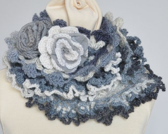 RUFFLE - Grey - Crochet Multicolor Ruffle Scarf WZ Rose Applique