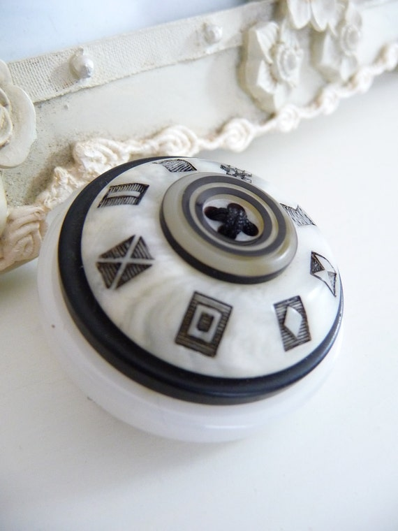 SALE ES584 - Black And White Vintage Buttons Brooch