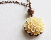 Cream Beige Dahlia Flower Necklace, FREE SHIPPING, freshwater pearl, Melody Necklace, garden, spring