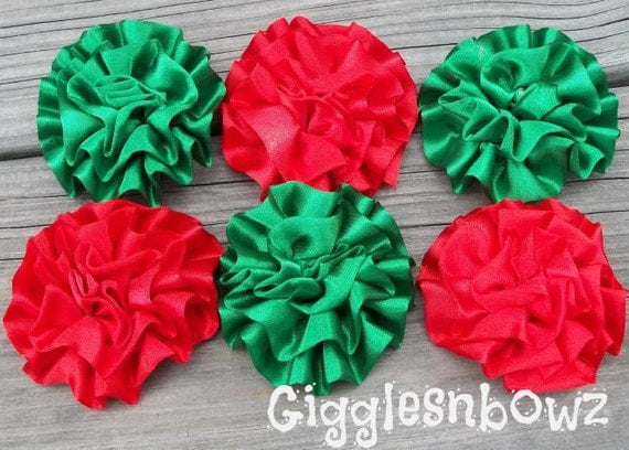 Set of 6 Beautiful CHRiSTMaS ReD and EMERALD GReEN Satin Rosettes Puff Flowers