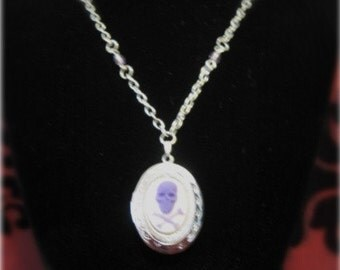 Skull and crossbones cameo locket with beads