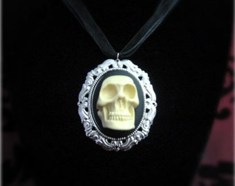 3D skull cameo necklace