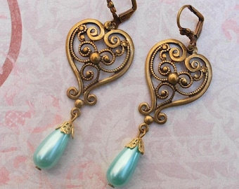 Vintage Filligree Heart...Earrings