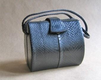 Vintage Barrel Shaped Reptile/Snakeskin Black Handbag