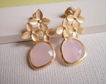 Blush Pink Earrings, Gold Earrings, Bridal Jewelry, Wedding Jewelry, Bridesmaid Earrings