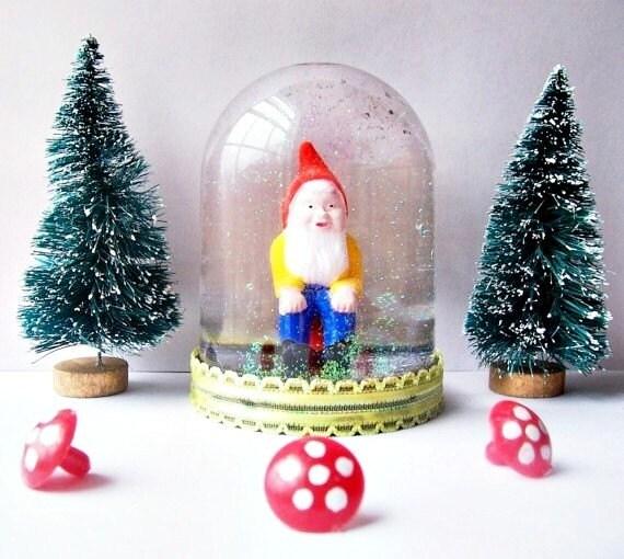 Gnoah The Gnomadic Gnome Snow Globe