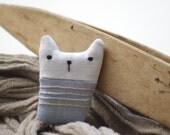 Pin. Kitten.
