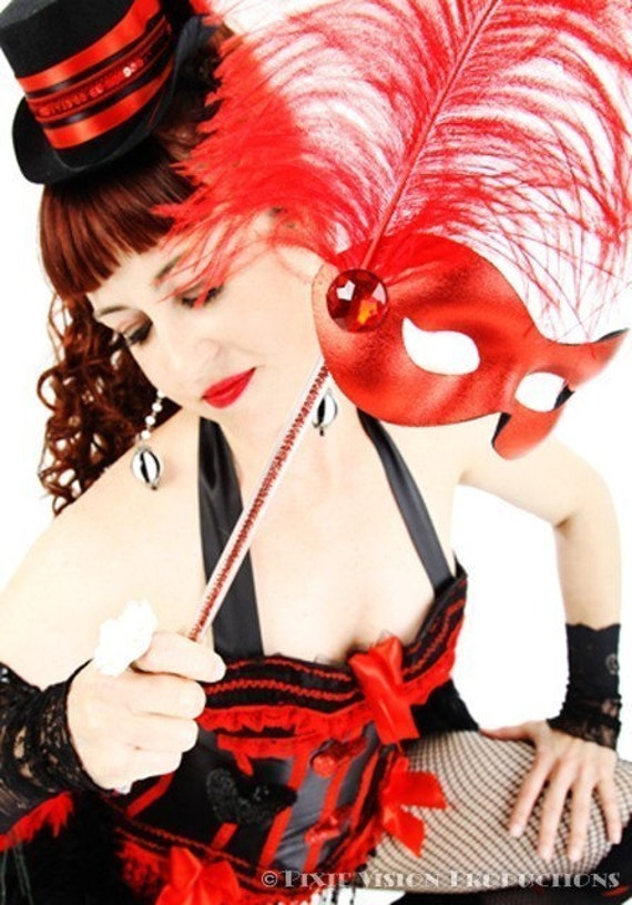 QUEEN OF HEARTS Sexy Saloon Girl Circus Burlesque Costume dress, Red Black boned corset