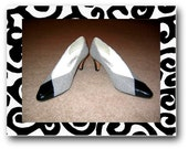 SALE - Sz. 10 Vintage Black and White Rangoni of Florence Houndstooth Pumps