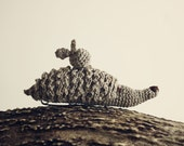 """Linas"""" Linen crocheted hedgehog with apple. Brooch - animal toy"""