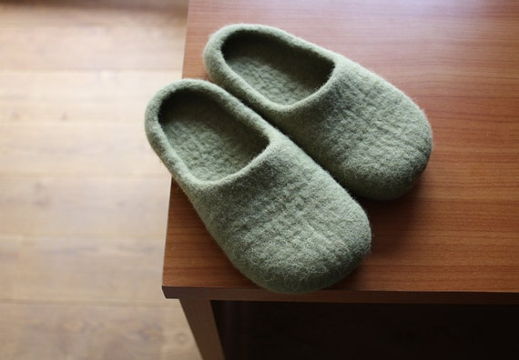 SALE Ready for dispatch now. Felted slippers in Kids size US 12   EU 30
