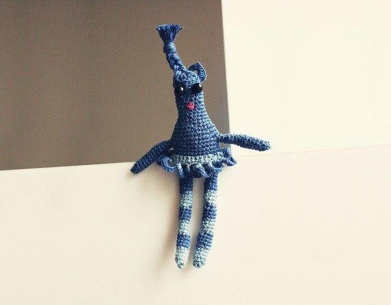"Zydre"" Crocheted blue linen doll - brooch - necklace"