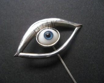 Glass dolls eye Pin broach with eyelashes