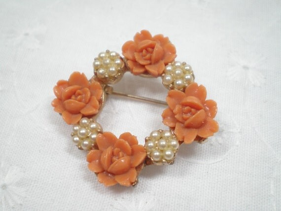 Pin with coral roses and seed pearls / Square pin / faux gemstones / Pretty brooch / Peach roses pin / Prom / Autumn / Mother