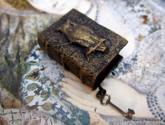 Wizard's Owl book ooak dollhouse miniature in one inch scale