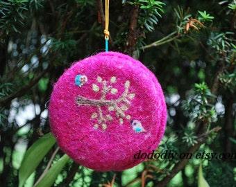 Wool  felted wristlet  Purse -- Snail & Bird