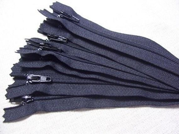 SALE - Twenty five 6 inch Black YKK zippers.