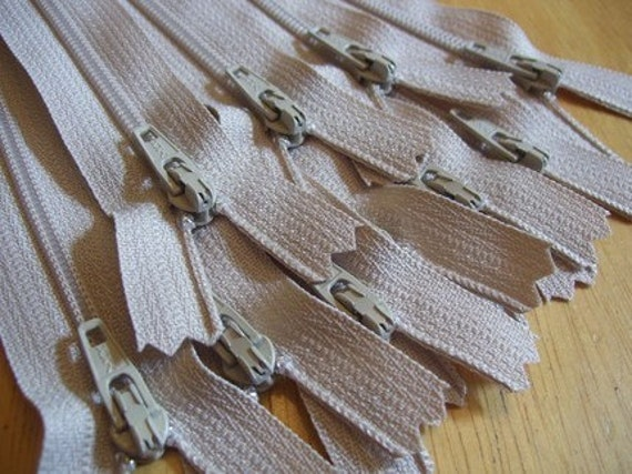 Ten 5 inch neutral beige YKK zippers - to match your canvas and linen fabrics (and some kawaii)
