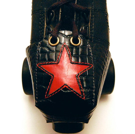 "Leather  ""Gator"" Toe Guards with Red Star"