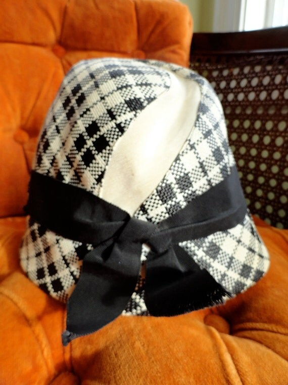 Vintage Rattan Straw Houndstooth Plaid Black and White Swirl Womens Hat with Ribbon