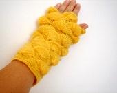 Citrine Harvest yarn Fingerless Mittens Gloves