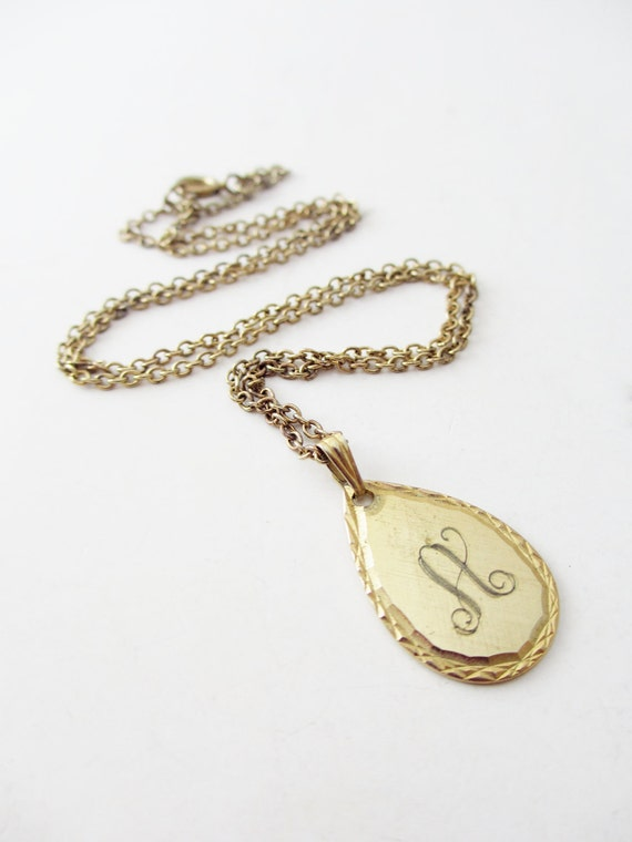 Pretty Dainty Gold tone Monogrammed 'A' Necklace