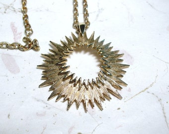Vintage Sarah Coventry Gold Tone Outer Space Sunburst Pendant