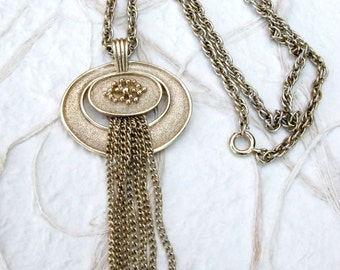 "Vintage Gold Tone Avon Tassel Pendant on Twisted 24"" Chain Necklace"