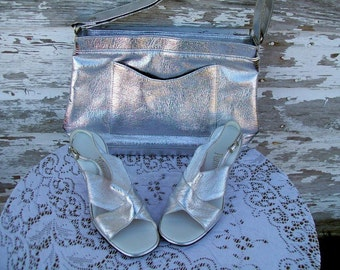 1960s MOD Silver Metallic Sling Back Peep toe sandal 7.5 with matching Purse