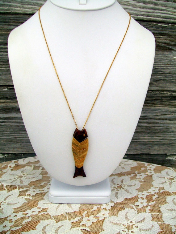 Articulated slider Fish Necklace Gold Tone And Bakelite or Lucite