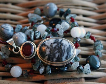 NIGHTSPIRIT Necklace (Jasper, Agate, Quartz, Swarovski Crystal)