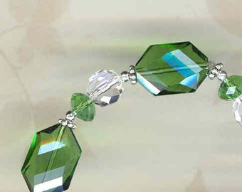 Green Crystal Bracelet     -     B1029