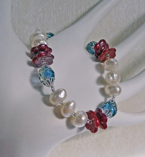 Fresh Water Pearls and Glass Bracelet - B1530