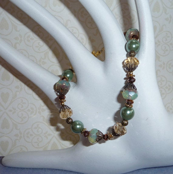 Green Crystal, Pearl and Czech Glass Bracelet - B1566