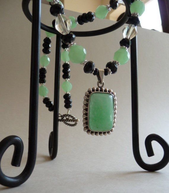 Green and Black Splender Necklace     -     N883