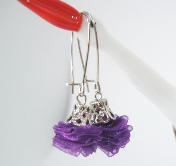 items similar to purple rose earings violet earrings dangle earrings rose earrings fabric. Black Bedroom Furniture Sets. Home Design Ideas