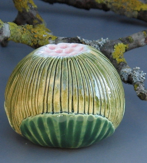Green Ceramic Flower Pod Wall Hanging with Pink Center 3