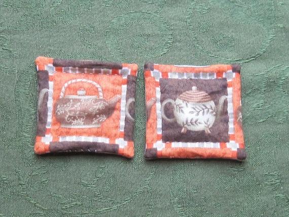 tea pots set of potholders for dolls