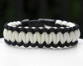 550 Paracord Survival Bracelet Cobra - Black and White