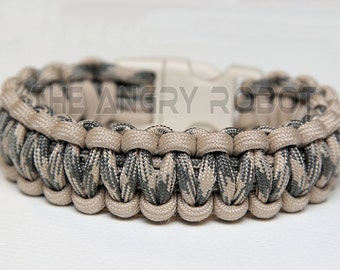 550 Paracord Survival Bracelet  - Sand and Desert Foliage - Sand Buckle