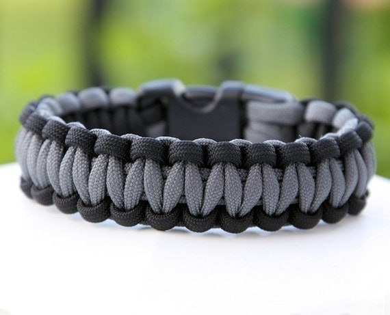 Paracord Survival Bracelet - Black and Gray