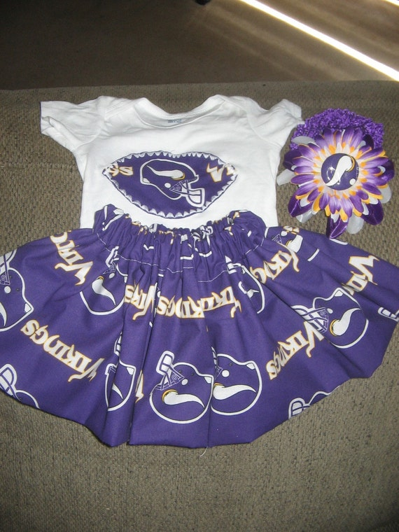 Vikings outfit set...you pick the size... other teams available