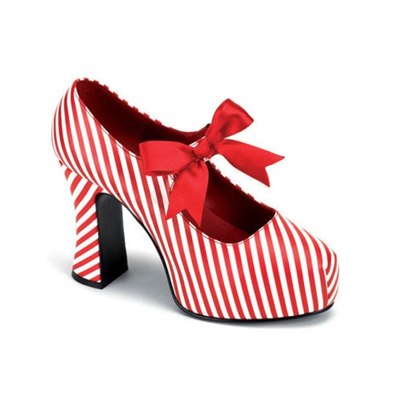 VINTAGE Red and White Stripe Shoes. VALENTINE'S Day, Size 9, Never worn.