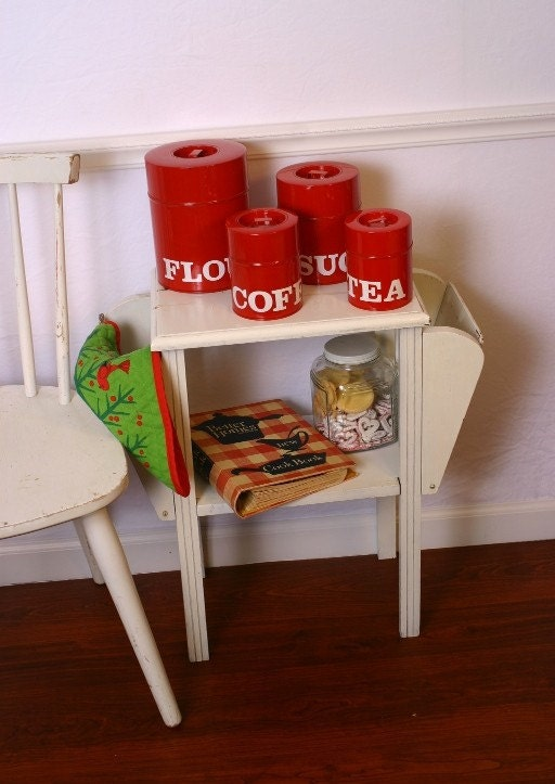 Retro modern meets shabby chic country kitchen vintage red - Shabby chic modern kitchen ...