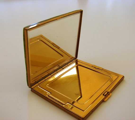 Sixties Powder Case Brass