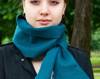 Felted scarf Prussian blue