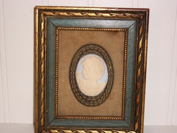 Vintage Blue Cameo Picture Wall Hanging New York Women Art