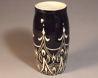 Large Sgraffito Vase- my signatrure line of carving