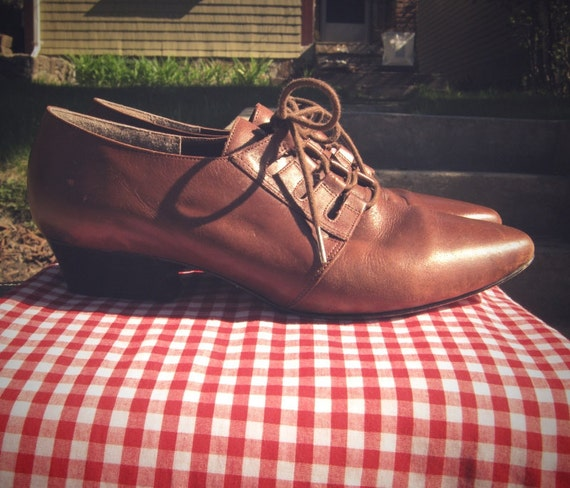 Vintage lace up brown made in brazil oxfords 9B